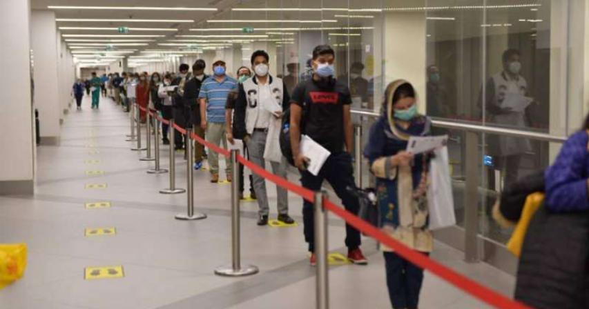 Over 200 Pakistani medical professionals reach Kuwait