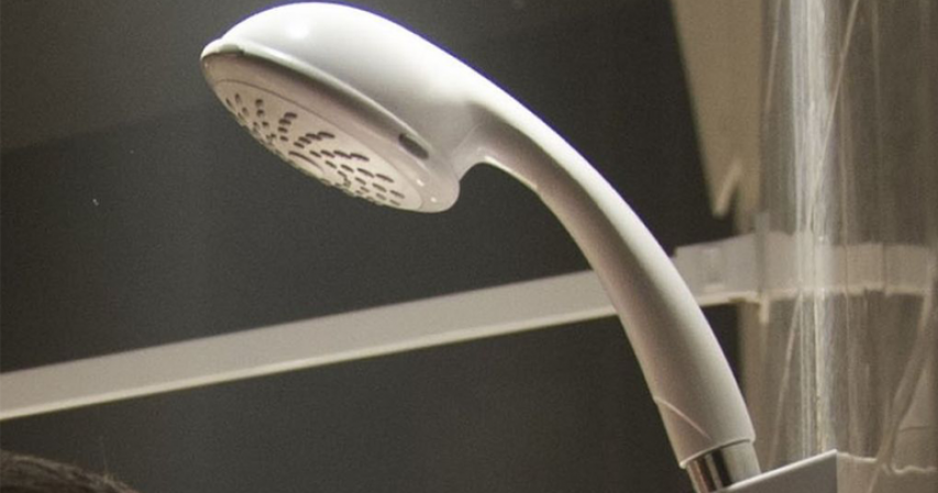 Covid-19: Man who hid from police in girlfriend's shower jailed