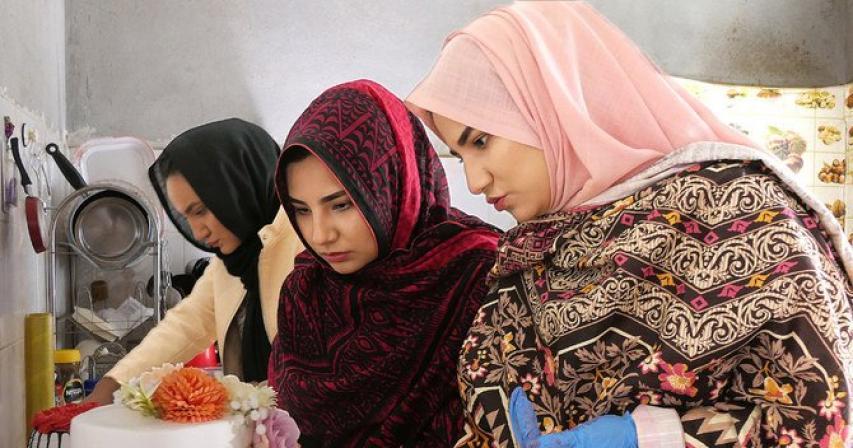 Rising stars: Pakistani sisters fight terror with sweet treats