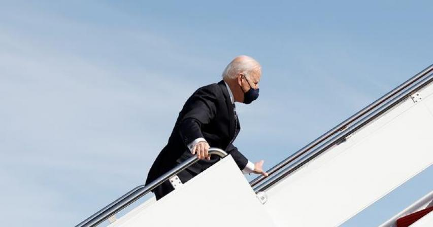 White House says Biden doing fine after stumbling while boarding Air Force One