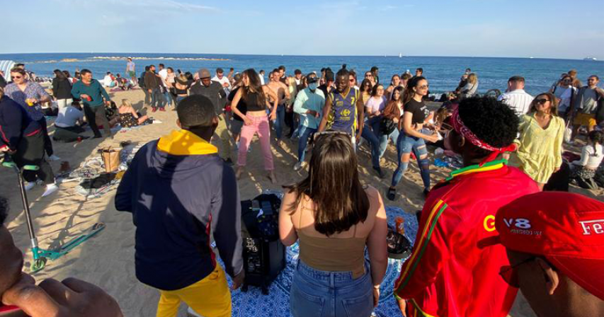 Beach partygoers in Spain's Barcelona defy COVID-19 restrictions