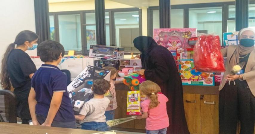 Arab International Academy offers 300 different gifts to QRCS