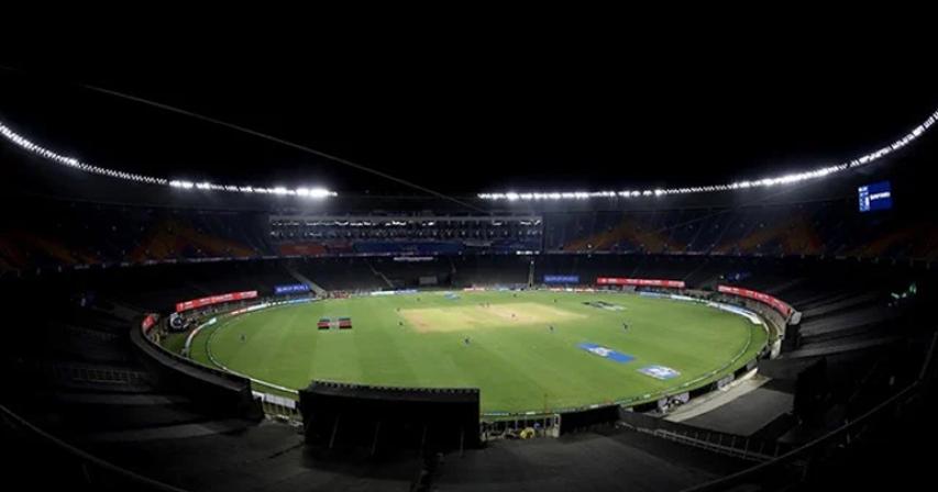 IPL's foreign cricket stars scramble to escape coronavirus-hit India