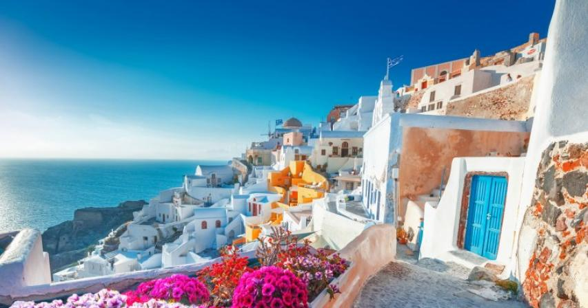 Qatar Airways Holidays launches Greek Island-hopping tour