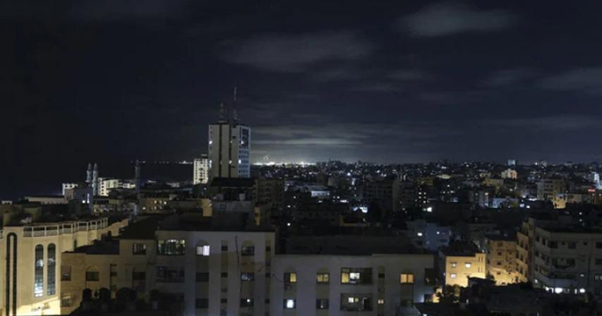 Israel strikes Gaza in retaliation for fire balloons