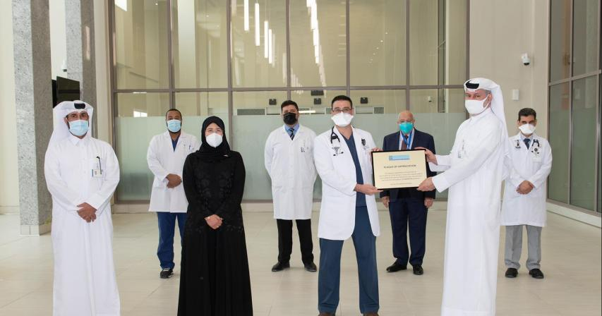 Minister of Public Health visits Hazm Mebaireek General Hospital as it recommences normal services