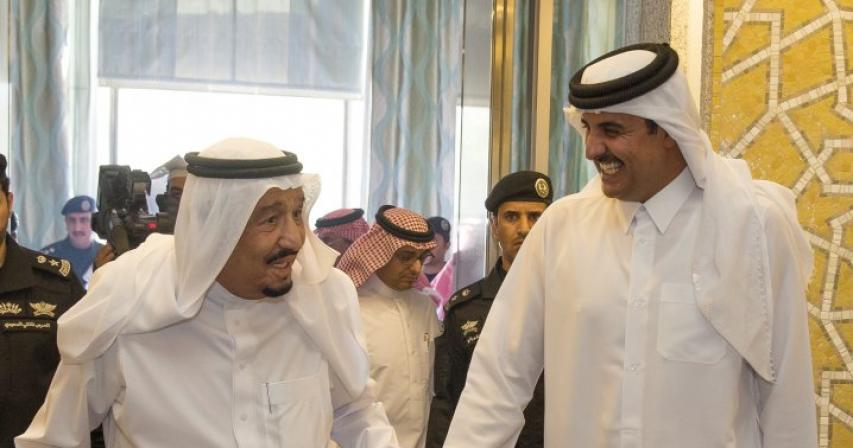 Saudi king, crown prince congratulate Qatar Amir on anniversary of accession