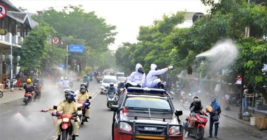 Over a Dozen Vaccinated Doctors Dead amid Indonesia COVID-19 Surge