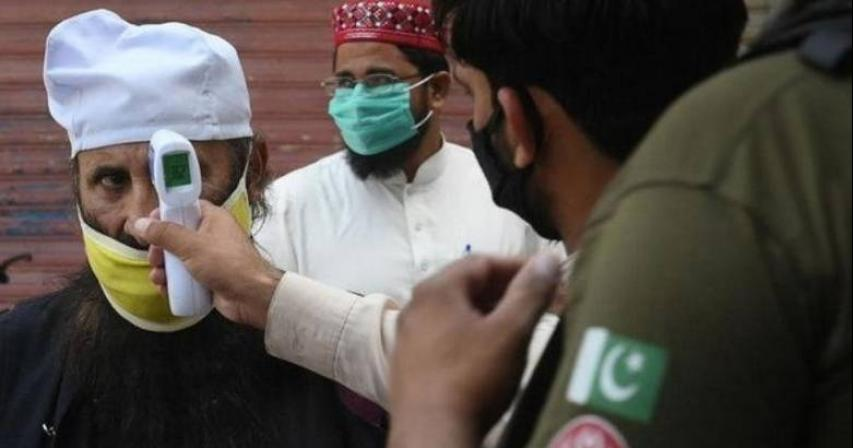 Pakistan reports major decrease in daily COVID-19 cases