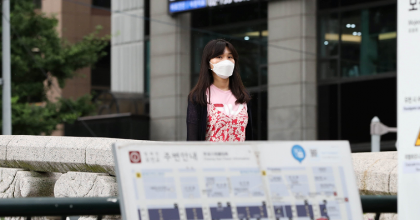 South Korea reports 1,100 new COVID-19 cases, toughest curbs in force in Seoul