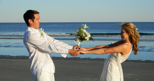 How To Get Married On The Beach In 5 Easy Steps