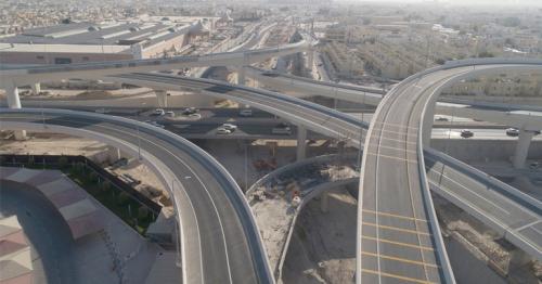 Prime Minister inspects Sabah Al Ahmad Corridor project