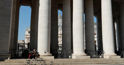 Pope offers Rome's homeless free Covid-19 tests at Vatican