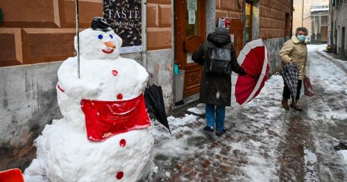 Coronavirus: Italy announces Christmas travel ban