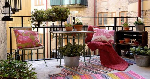 Follow these 5 budget-friendly ways to decorate a small balcony and make it look vibrant and colourful