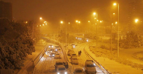 Spanish troops deployed to help motorists stranded by snowstorm