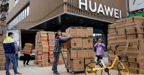 China's manufacturing, services sectors weaken in January
