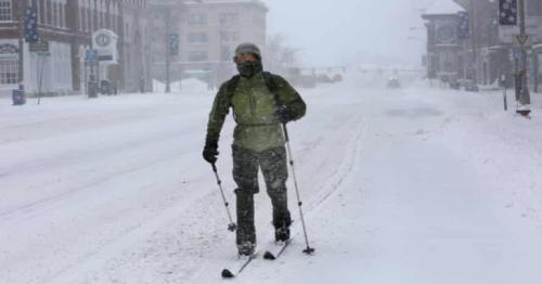 Huge snowstorm heads for US east coast