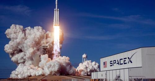 SpaceX announces first-ever all-civilian space flight crew