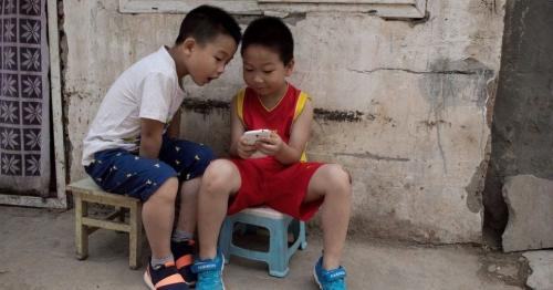 China bans children from using mobile phones at school