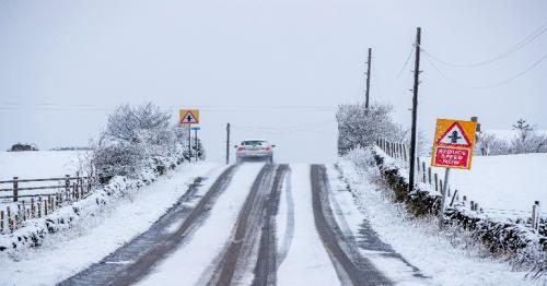 UK weather - Snow and ice warnings issued for England, Scotland and Wales