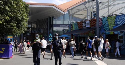 Melbourne enters new lockdown, barring Australian Open crowds