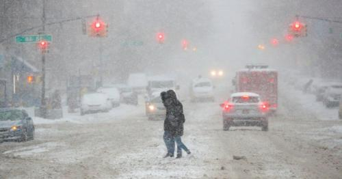 US snow - Winter storm tightens grip in southern states