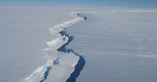 Brunt Ice Shelf - Big iceberg calves near UK Antarctic base