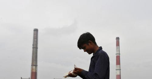 India pushes back deadline for coal-fired utilities to adopt new emission norms