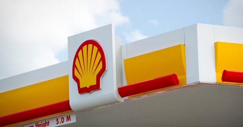 Shell expects at best steady fuel sales for first quarter