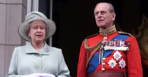 Despite loss of husband, little sign Queen Elizabeth will abdicate