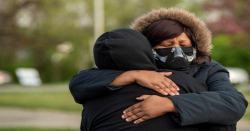 Ohio shooting - Columbus police shoot dead black teenage girl