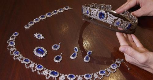 Jewels given to Napoleon's adoptive daughter on sale at Christie's next week