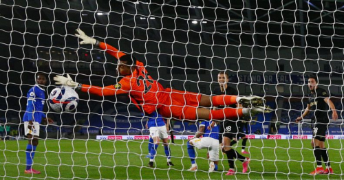 West Ham top-four hopes dented by Brighton draw
