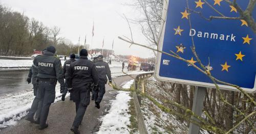 Denmark passes law to process asylum seekers outside Europe