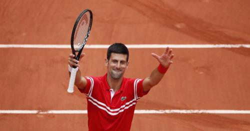 Djokovic marches into fourth round with Berankis thrashing