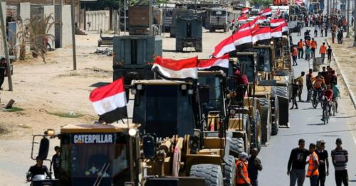 Egypt sends building equipment to begin Gaza reconstruction