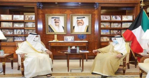 Kuwait FM meets Qatar Ambassador to Kuwait