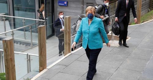 Germany's Merkel urges pragmatic approach to Northern Ireland
