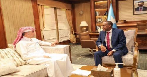 Somali PM Meets Qatari Ambassador
