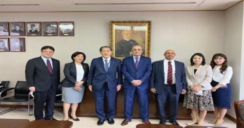 Qatar Envoy checks progress of 'Chair of Qatar for Islamic Area Studies' project