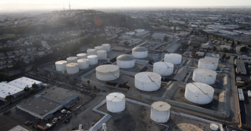 Oil prices slip as economic worries offset tightening supplies